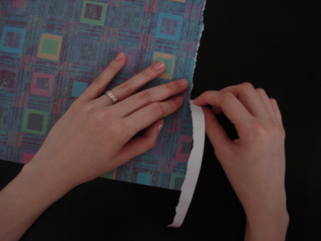 Photo showing the paper tearing technique.